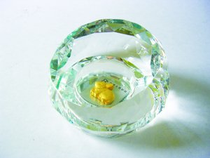 image crystal_paper_weight1-jpg